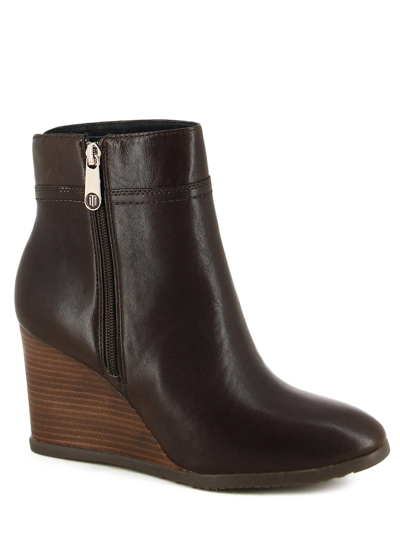 boots bottines tommy hilfiger boots bottines coffee en vente au meilleur prix. Black Bedroom Furniture Sets. Home Design Ideas