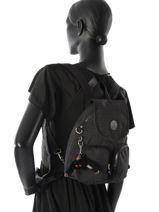 Sac A Dos Kipling Noir basic + Ce petit sac à dos de la ligne Basic+ signé Kipling sera très pratique au quotidien. Il possède sur le devant deux petites poches zippée et d