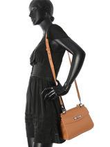 Longchamp Longchamp madeleine Messenger bag Black-vue-porte