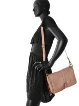 Shoulder Bag Dewashed Leather Milano Pink dewashed DE17112-vue-porte