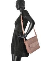 Crossbody Bag Signature Leather Lancaster Pink signature 527-22-vue-porte