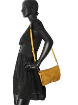 Shoulder Bag Dewashed Leather Milano Yellow dewashed DE17111-vue-porte