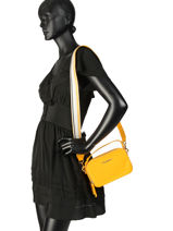Sac Bandoulière Cool Tommy Tommy hilfiger Jaune cool tommy AW06543-vue-porte