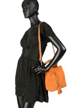 Fold Suède Bucket Bag Gerard darel Orange folk DJS17407-vue-porte