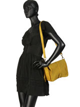 Shoulder Bag Dewashed Leather Milano Yellow dewashed TR17112-vue-porte
