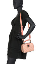Sac Bandouliere Candace Guess Pink candace ST766870-vue-porte